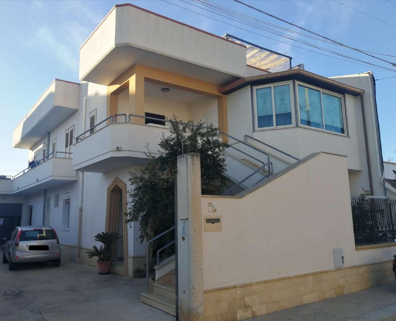 Appartamento in vendita a Castelvetrano, 10 locali, prezzo € 130.000 | PortaleAgenzieImmobiliari.it