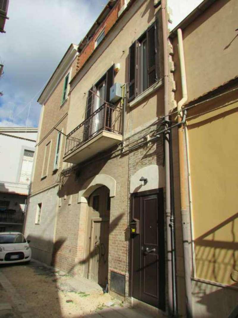 Casa Indipendente ristrutturato parzialmente arredato in vendita
