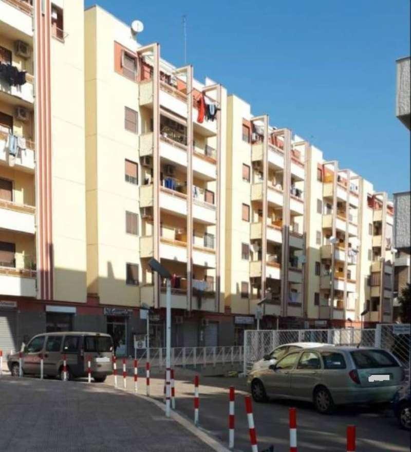 Appartamento in buone condizioni in vendita Rif. 8962851