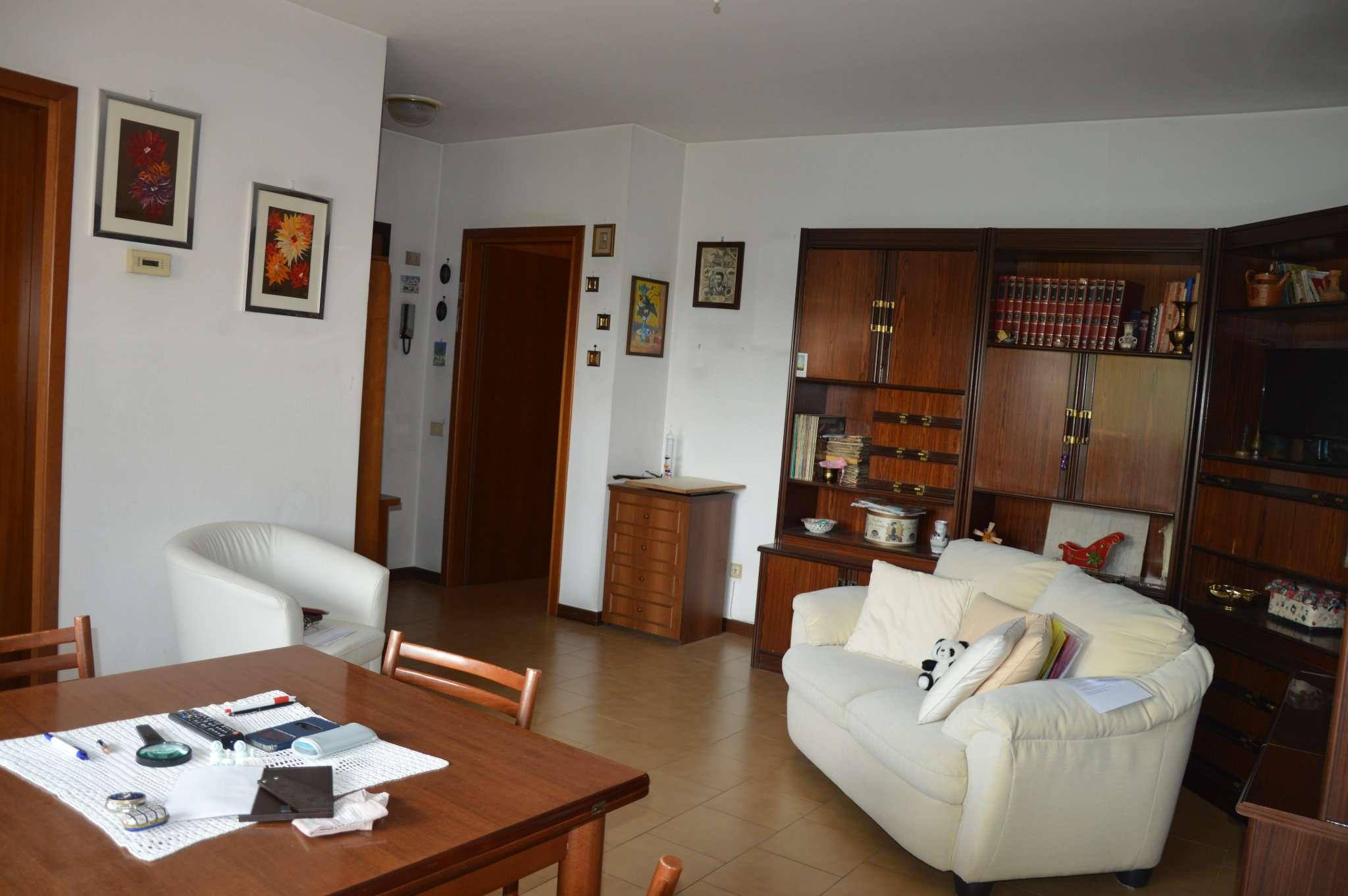 Appartamento in vendita a Cormano, 3 locali, prezzo € 195.000 | PortaleAgenzieImmobiliari.it