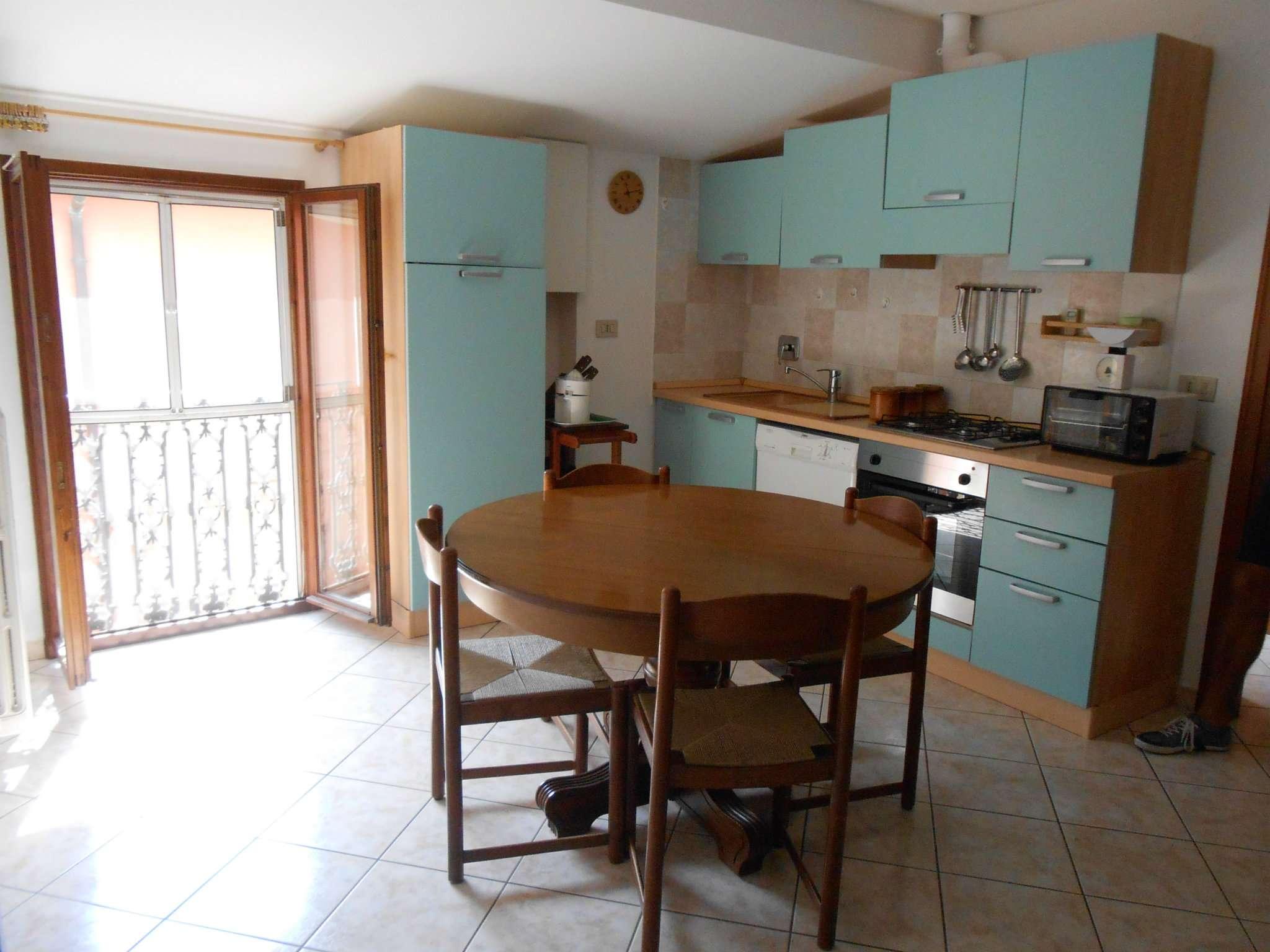 Appartamento ristrutturato in affitto Rif. 8831536