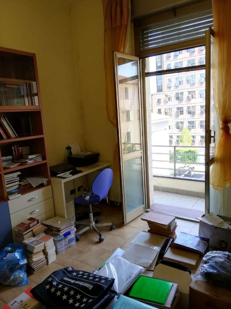 Appartamento in vendita a Bologna, 3 locali, zona Bolognina, Arcoveggio, Vavile, prezzo € 170.000 | PortaleAgenzieImmobiliari.it