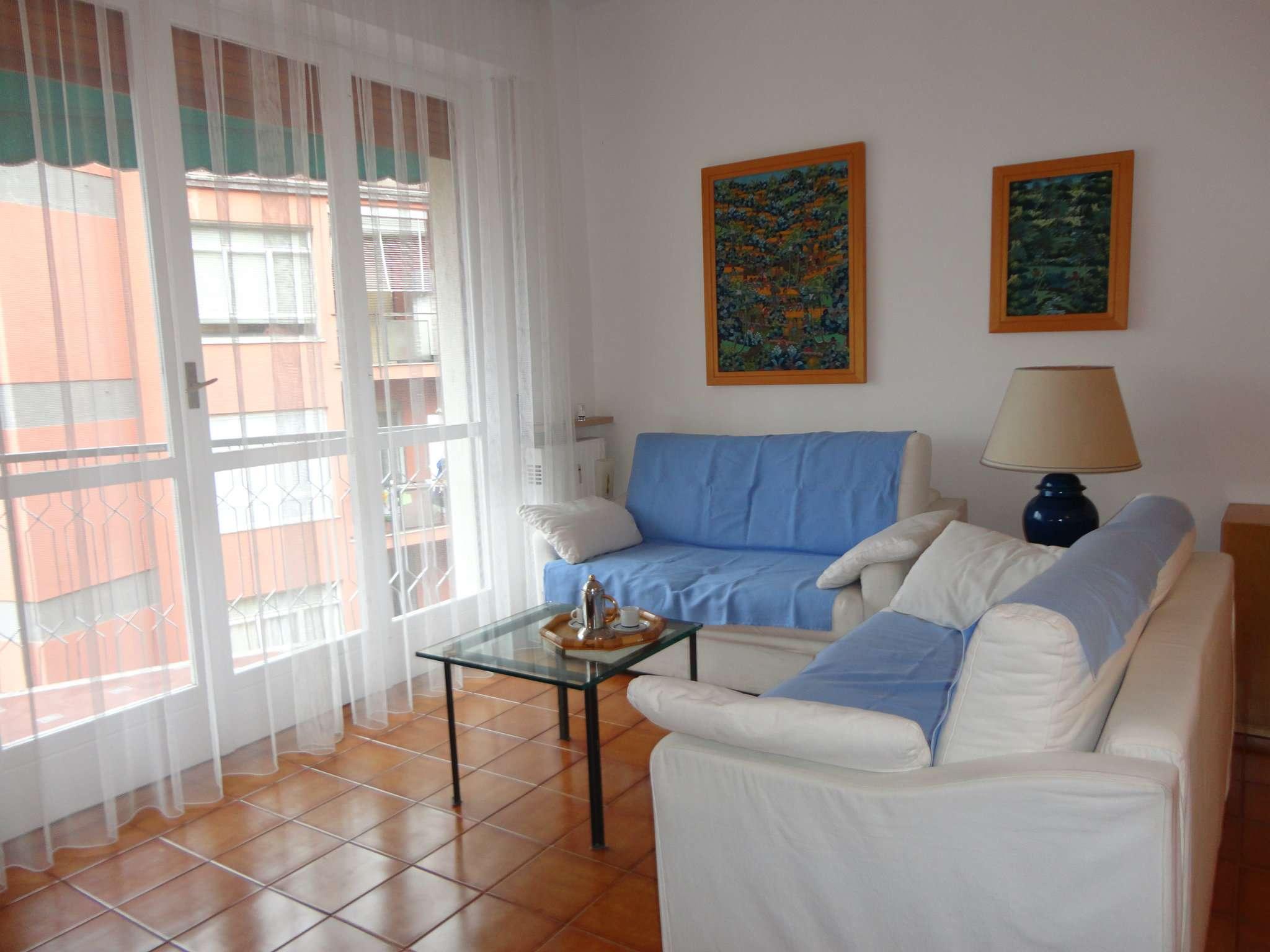 Appartamento in buone condizioni parzialmente arredato in vendita Rif. 9025790