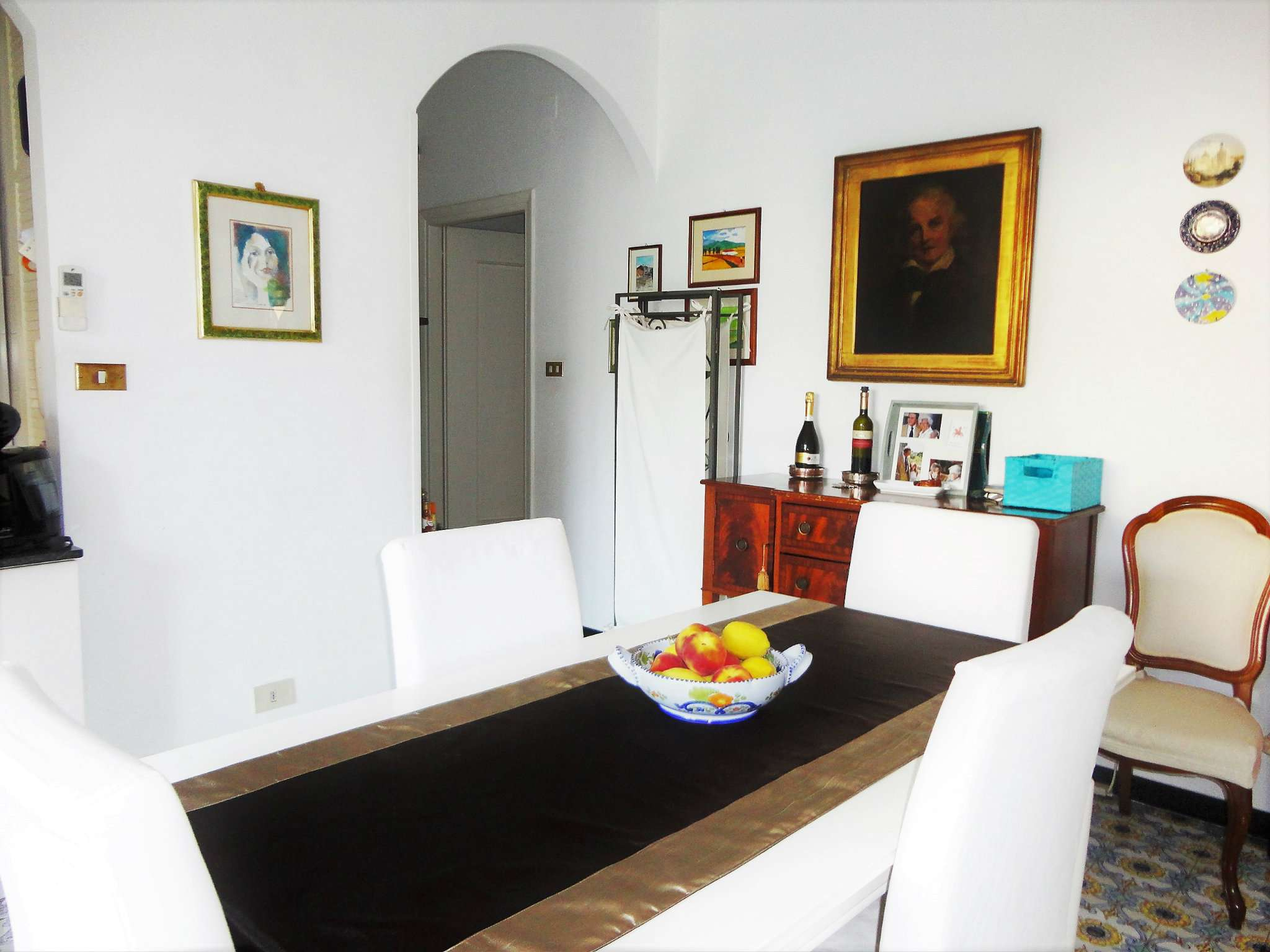 Appartamento in buone condizioni in vendita Rif. 9025793