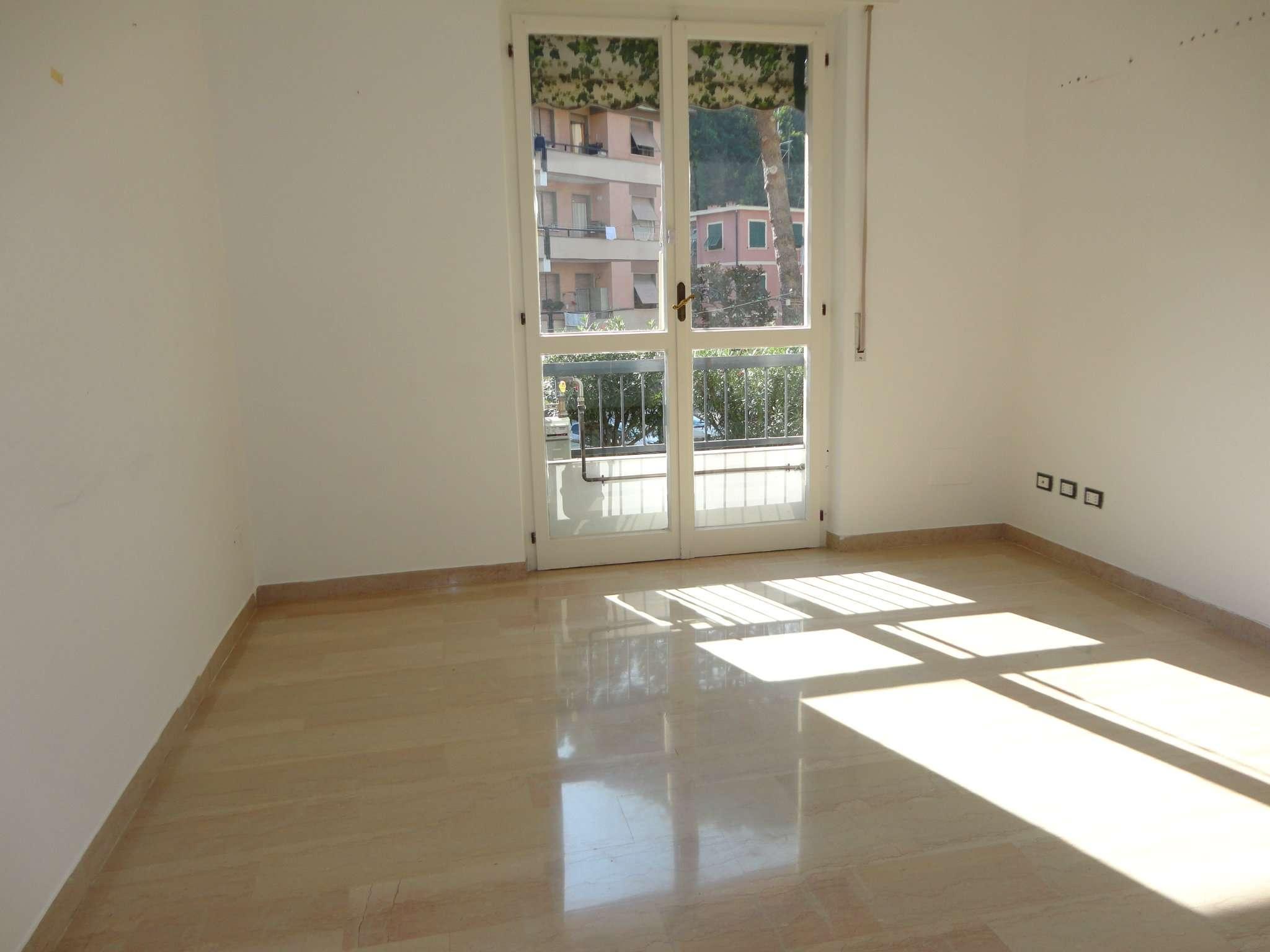 Appartamento in buone condizioni in vendita Rif. 8084990