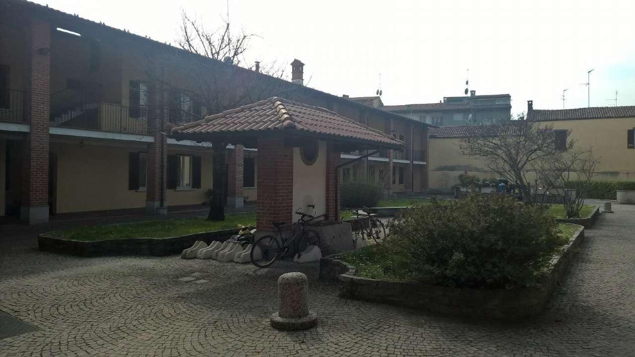 Appartamento in buone condizioni in affitto Rif. 8704180
