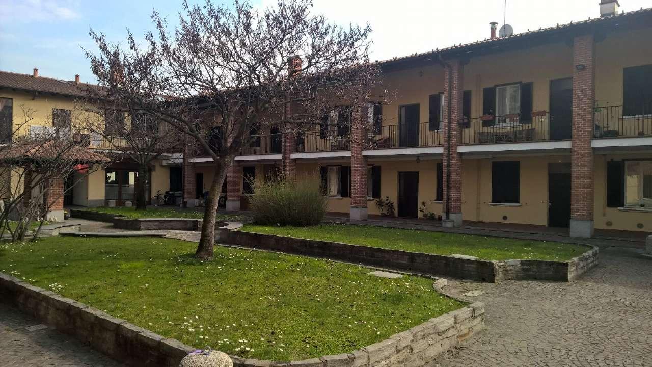 Appartamento in buone condizioni in affitto Rif. 7541025