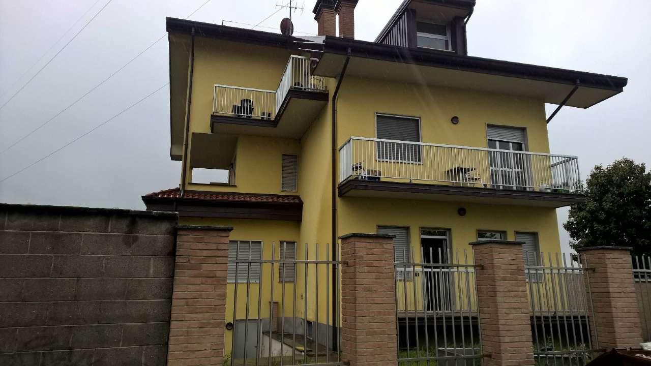 Pogliano Milanese in soluzione indipendente, appartamento di tre locali non arredato con cantina.