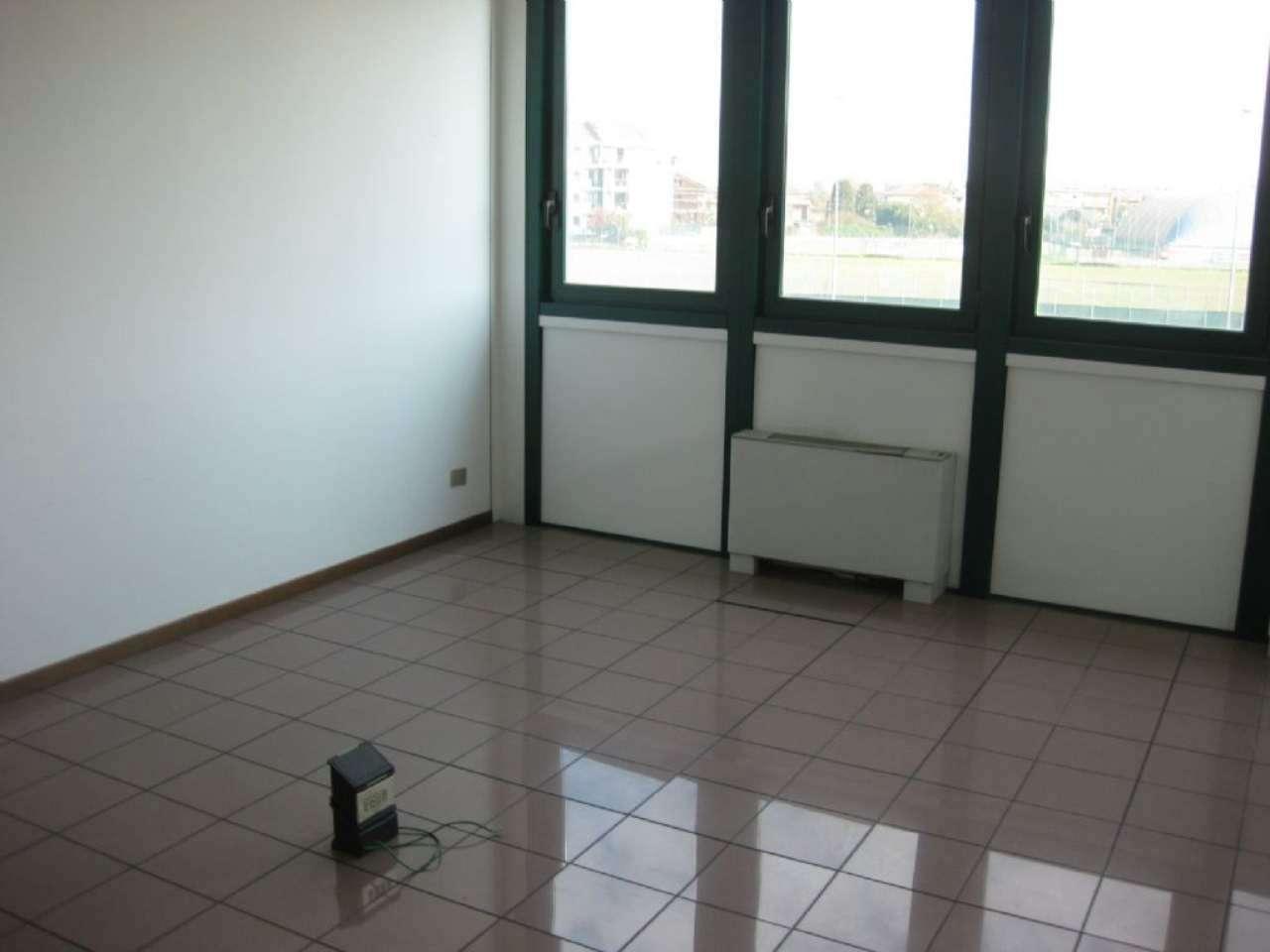 Ufficio / Studio in affitto a Bareggio, 1 locali, prezzo € 500 | PortaleAgenzieImmobiliari.it
