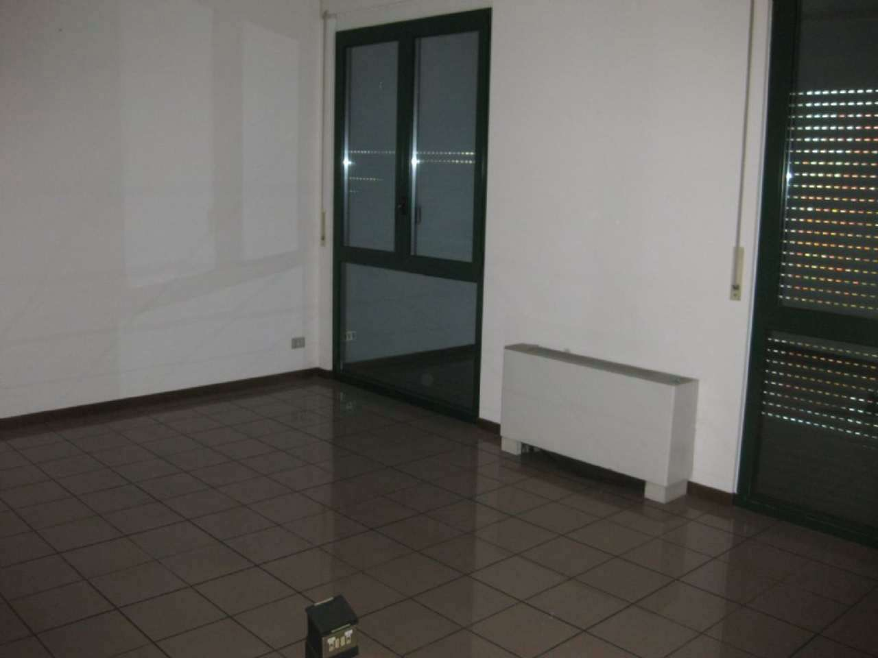 Ufficio / Studio in affitto a Bareggio, 1 locali, prezzo € 350 | PortaleAgenzieImmobiliari.it