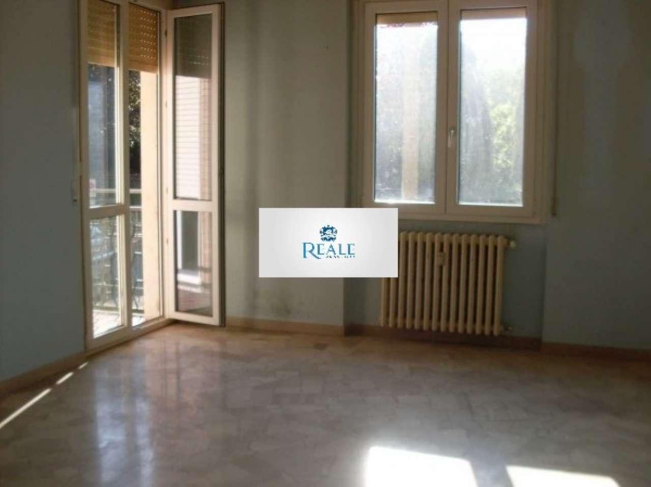 Appartamento in buone condizioni in affitto Rif. 7541028