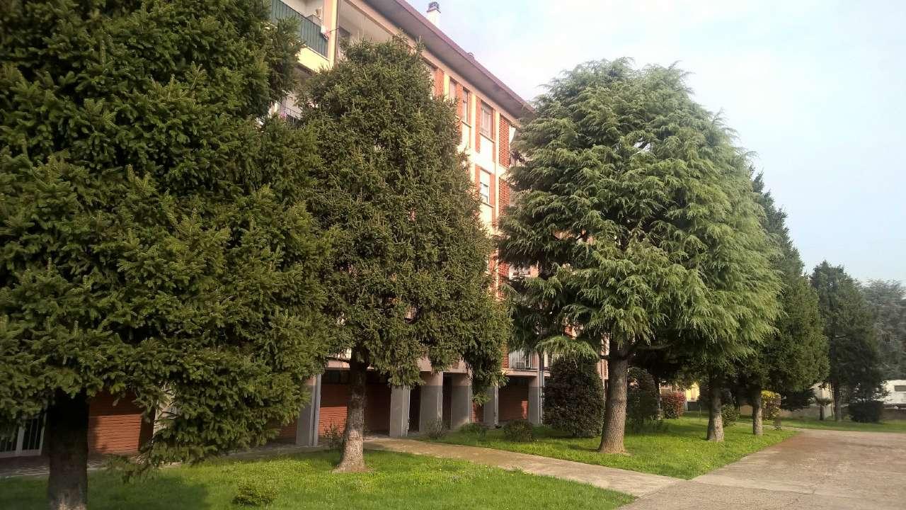 Magenta zona stazione, ottimo appartamento di tre locali ristrutturato e arredato, con box e cantina