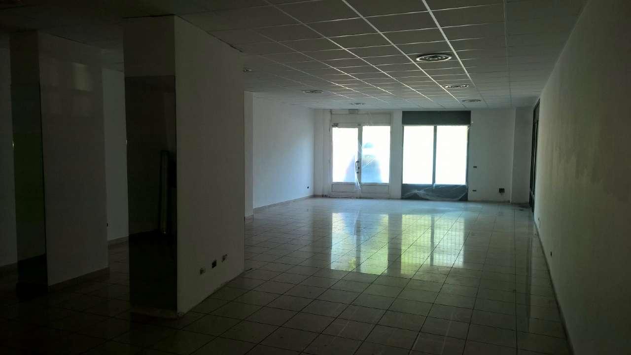 Negozio / Locale in affitto a Corbetta, 2 locali, prezzo € 1.200 | PortaleAgenzieImmobiliari.it