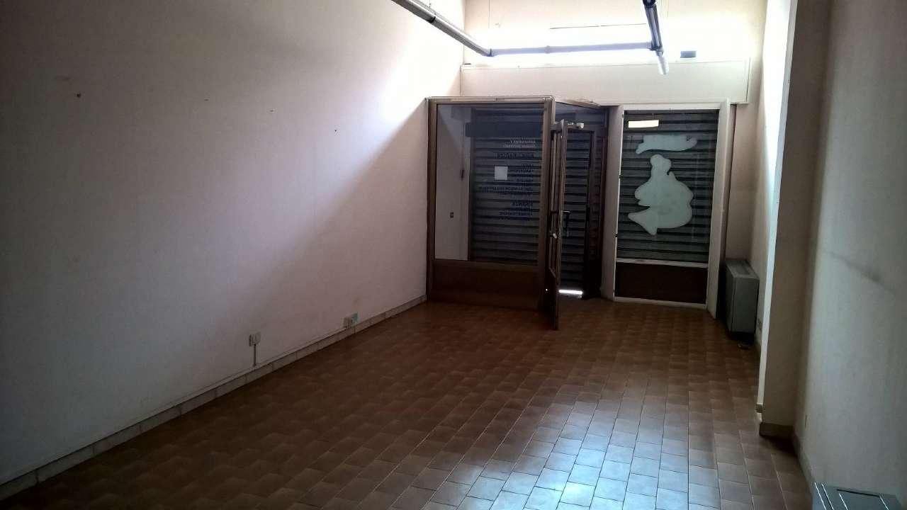 Negozio / Locale in affitto a Bareggio, 2 locali, prezzo € 750 | PortaleAgenzieImmobiliari.it
