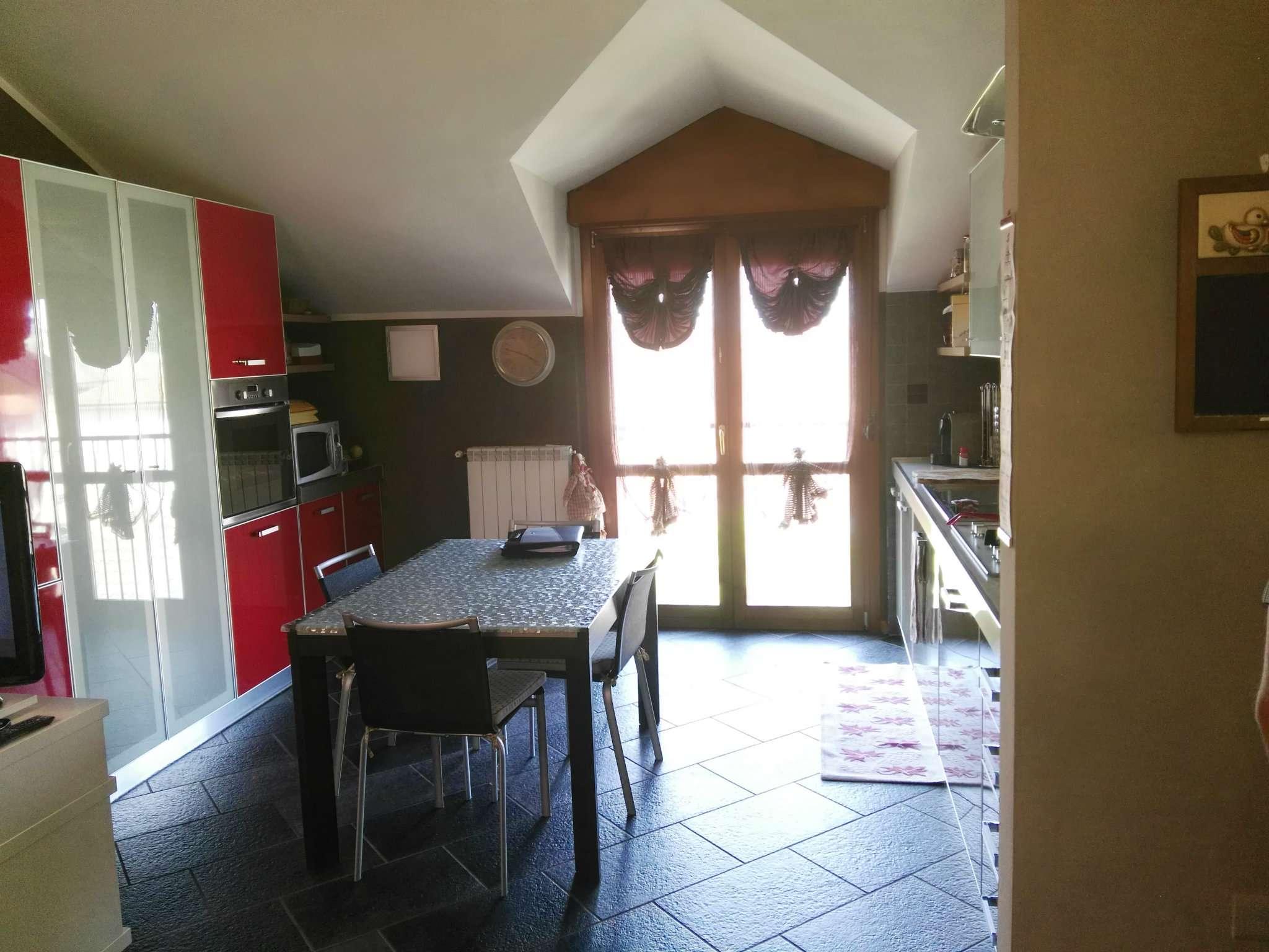 Arluno in mini palazzina, ultimo piano bellissimo appartamento tre locali con box doppio e cantina.