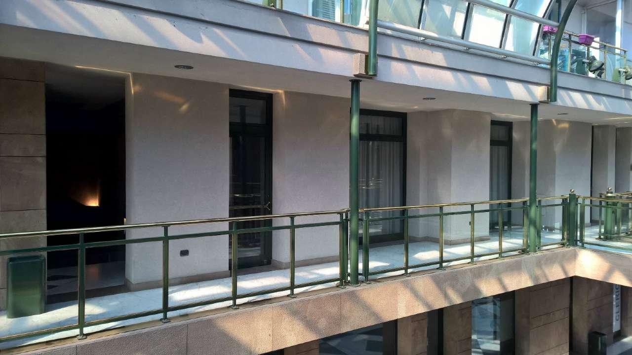 Negozio / Locale in affitto a Magenta, 1 locali, prezzo € 750 | PortaleAgenzieImmobiliari.it