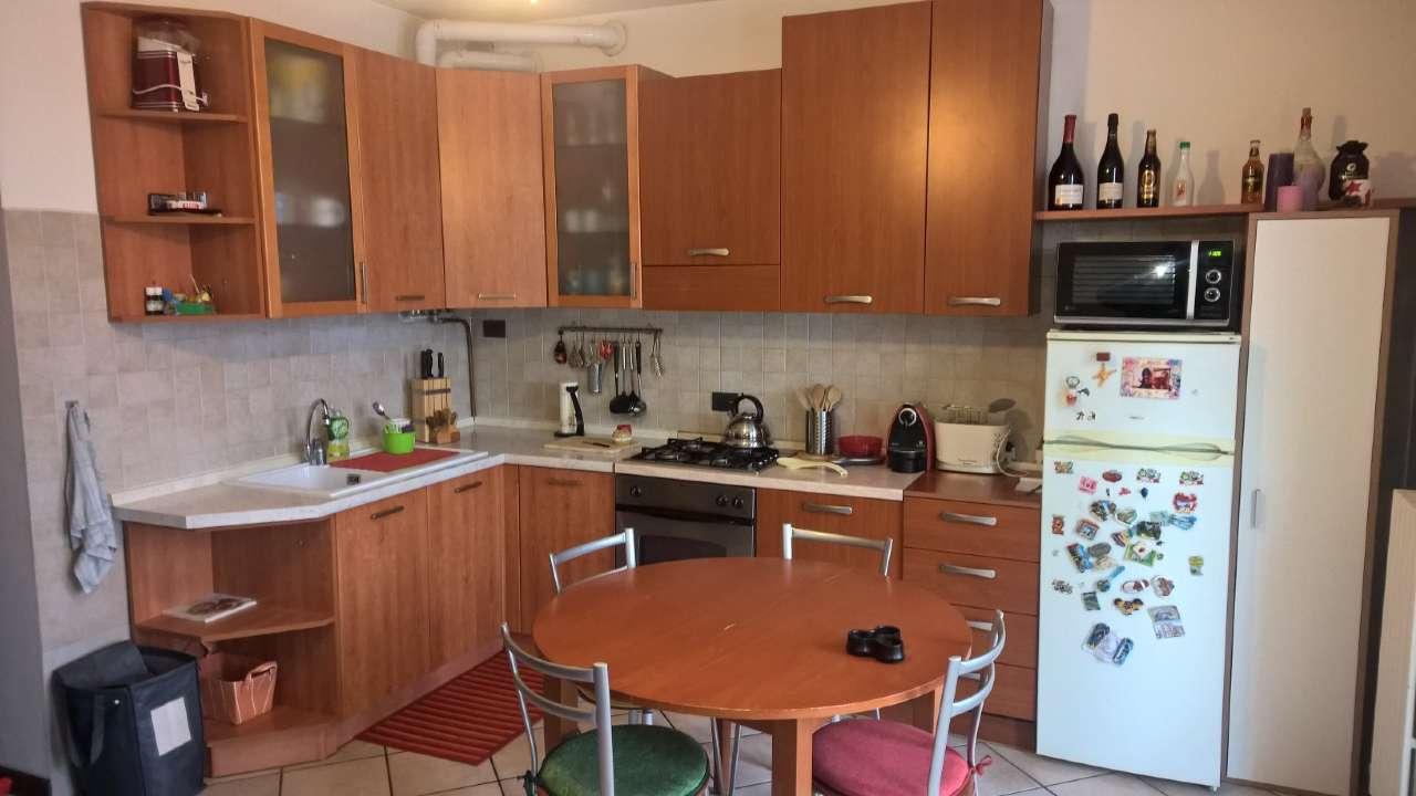 Appartamento in ottime condizioni arredato in affitto Rif. 8704269