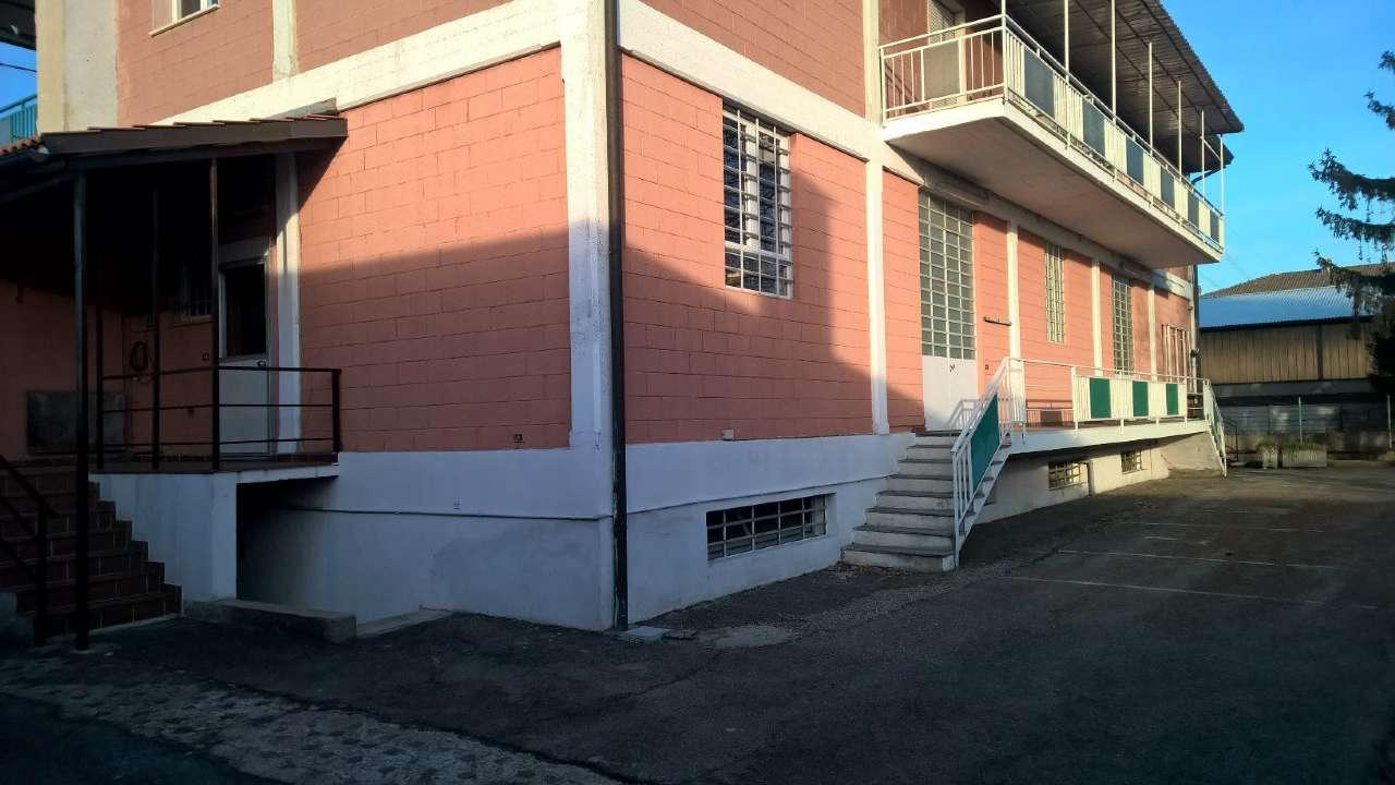 Negozio / Locale in affitto a Magenta, 3 locali, prezzo € 1.000 | PortaleAgenzieImmobiliari.it