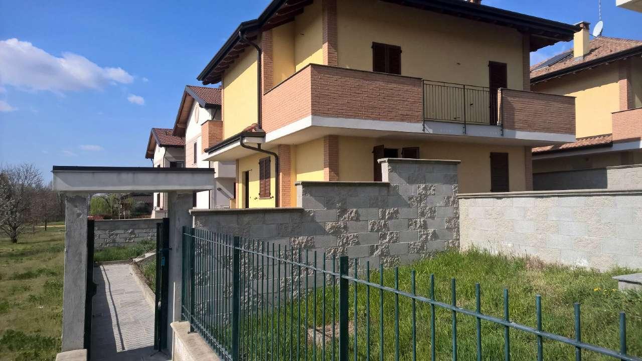 Villa in vendita a Boffalora Sopra Ticino, 4 locali, prezzo € 340.000 | PortaleAgenzieImmobiliari.it