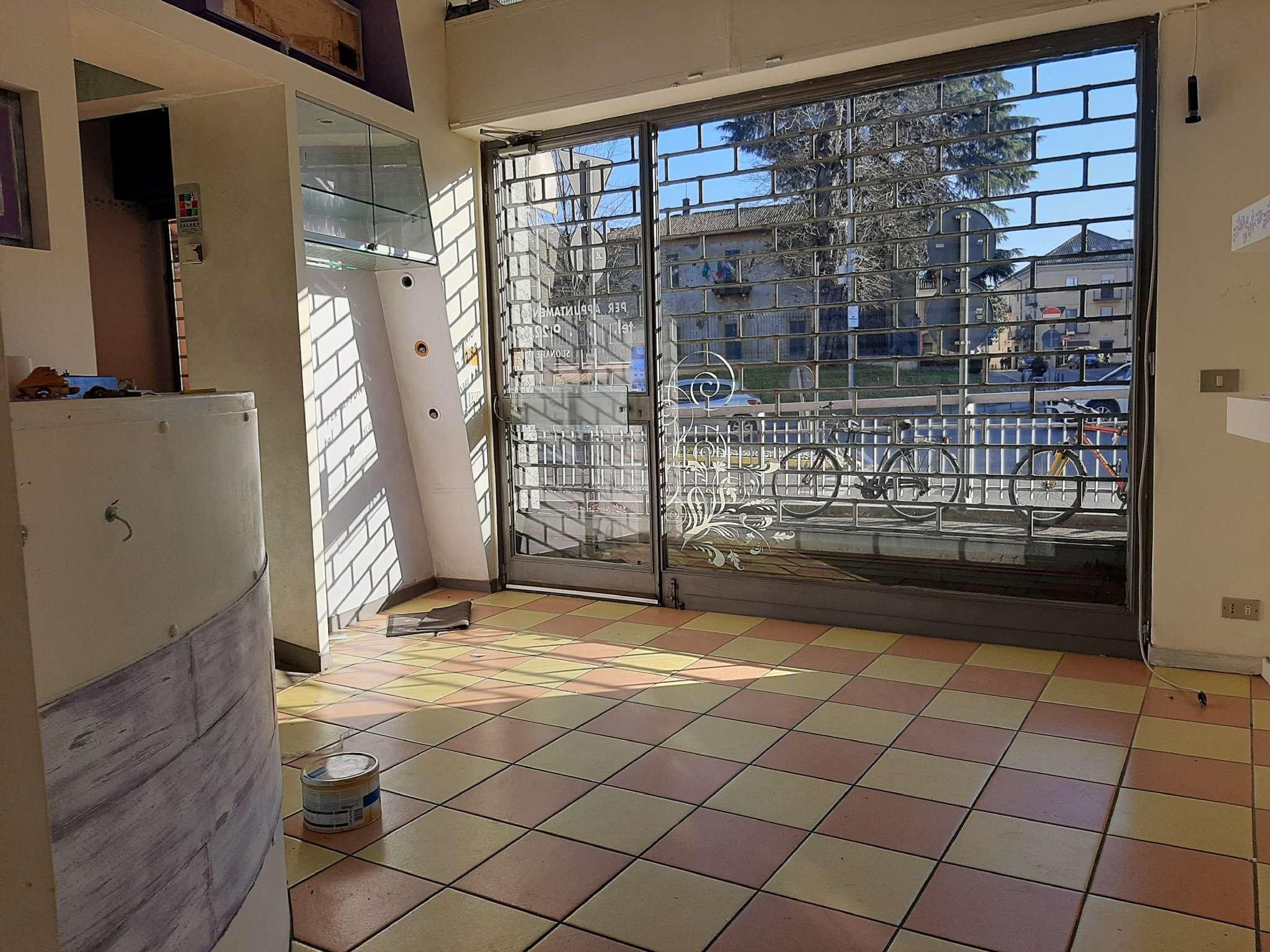 Negozio / Locale in affitto a Magenta, 2 locali, prezzo € 1.000 | PortaleAgenzieImmobiliari.it