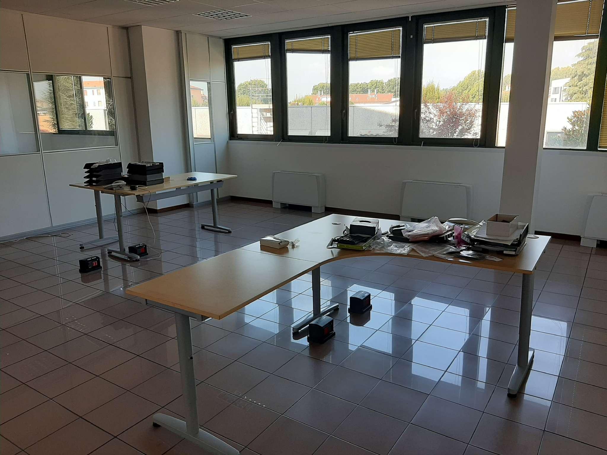 Ufficio / Studio in affitto a Bareggio, 3 locali, prezzo € 980   PortaleAgenzieImmobiliari.it