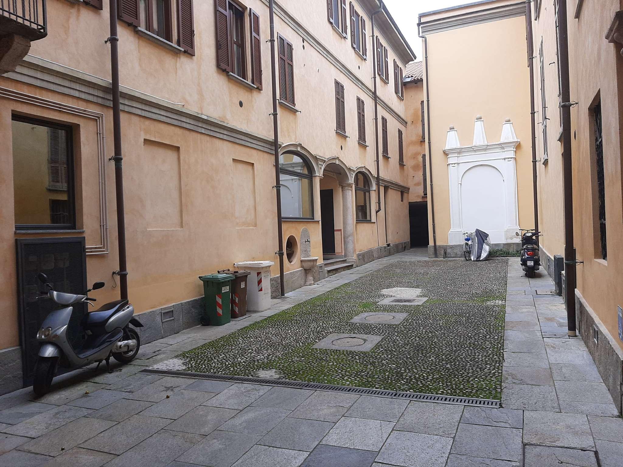 Negozio / Locale in affitto a Vigevano, 3 locali, prezzo € 700 | PortaleAgenzieImmobiliari.it