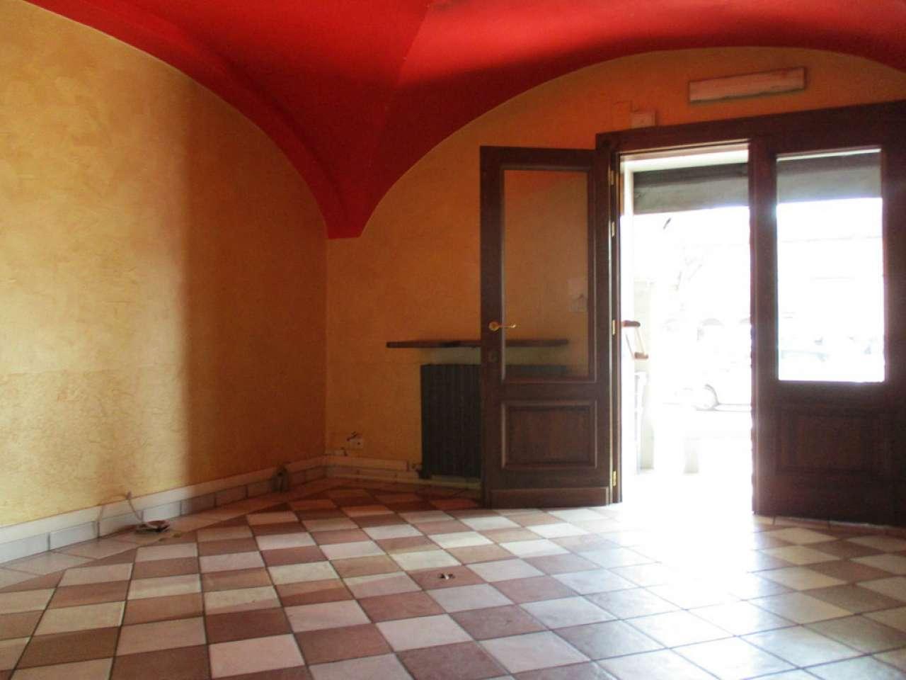 Negozio / Locale in affitto a Savigliano, 4 locali, prezzo € 1.000 | CambioCasa.it