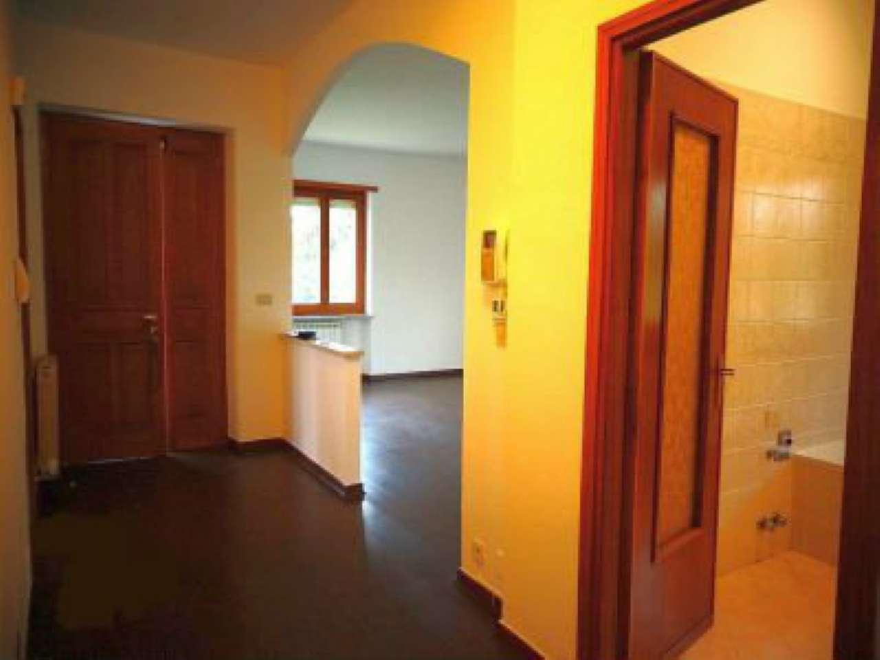 Villa in buone condizioni in affitto Rif. 9306478