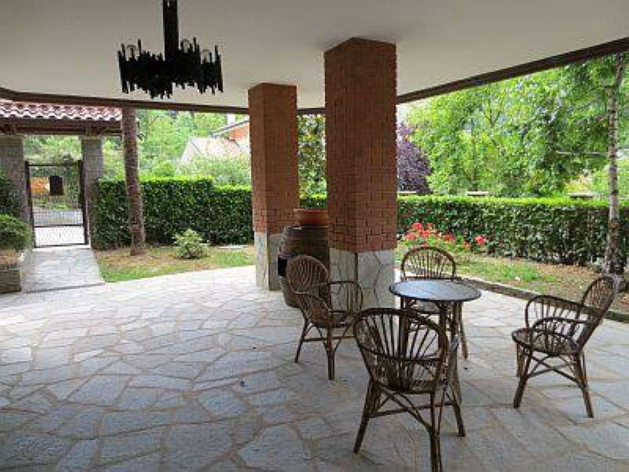 Appartamento in ottime condizioni arredato in affitto Rif. 5584532