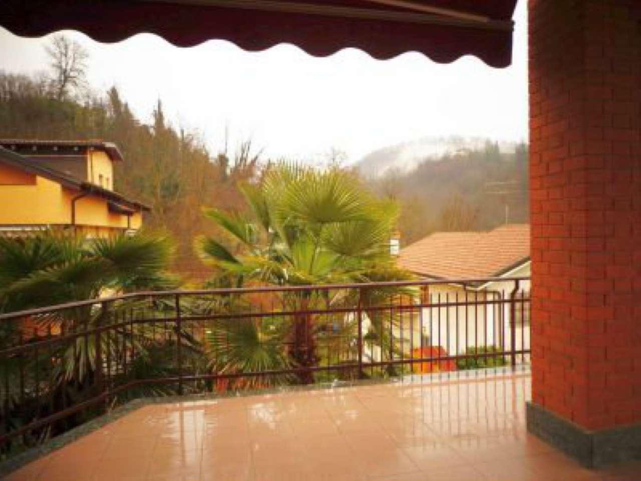 Ampio appartamento in villa bifamiliare con giardino privato