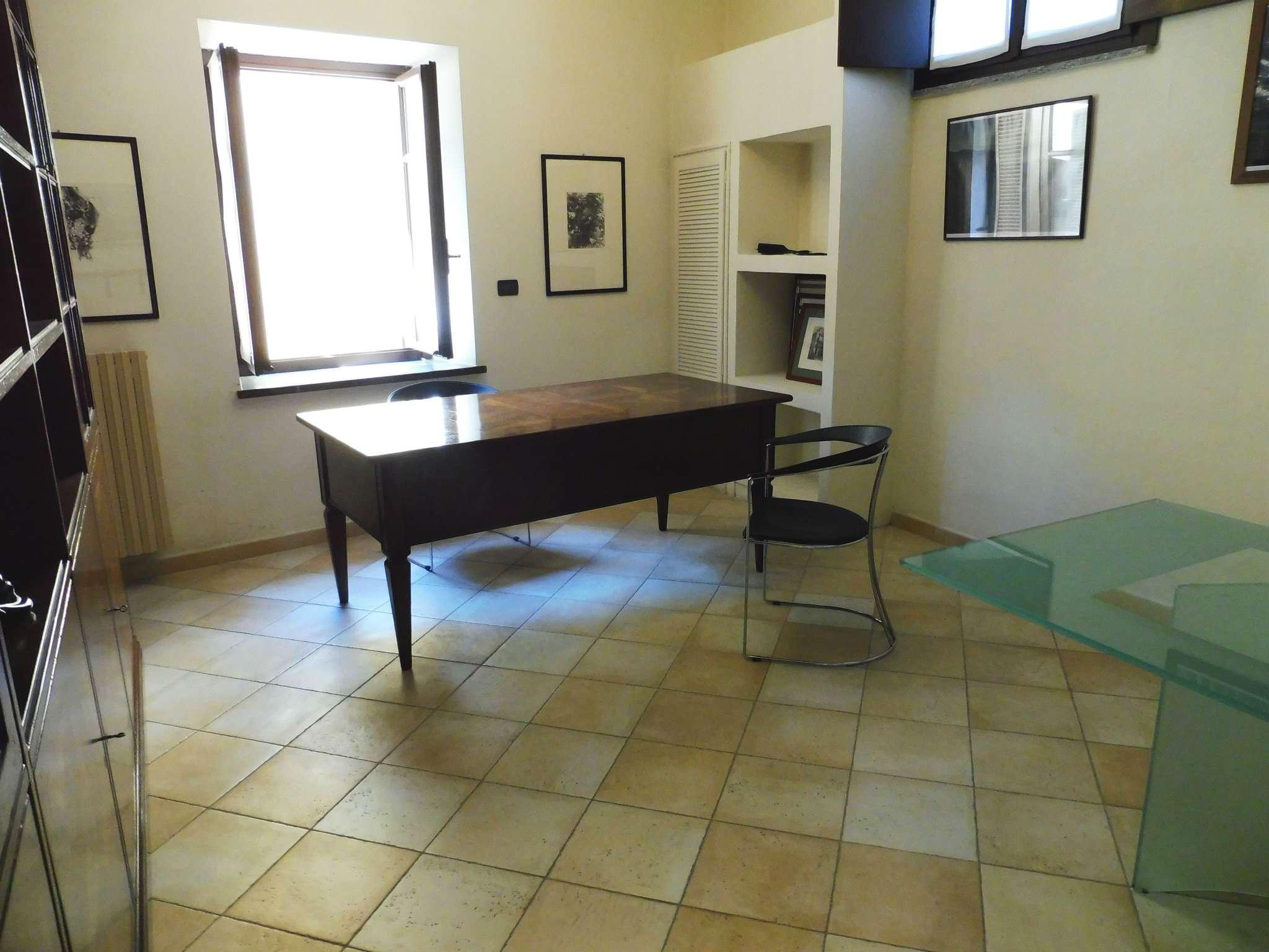 Ufficio / Studio in affitto a Moncalieri, 3 locali, prezzo € 700 | PortaleAgenzieImmobiliari.it