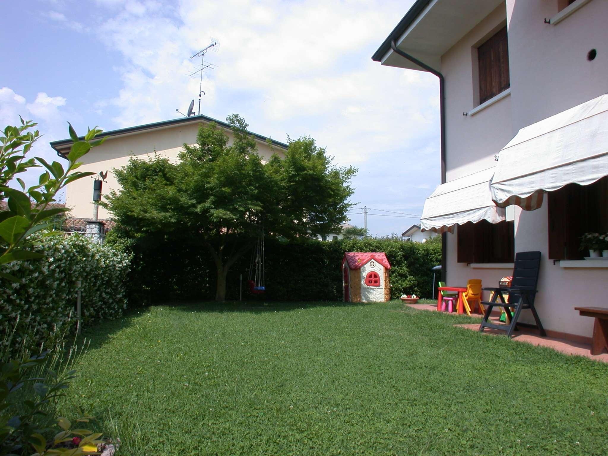 Breda di Piave vendesi appartamento con giardino privato