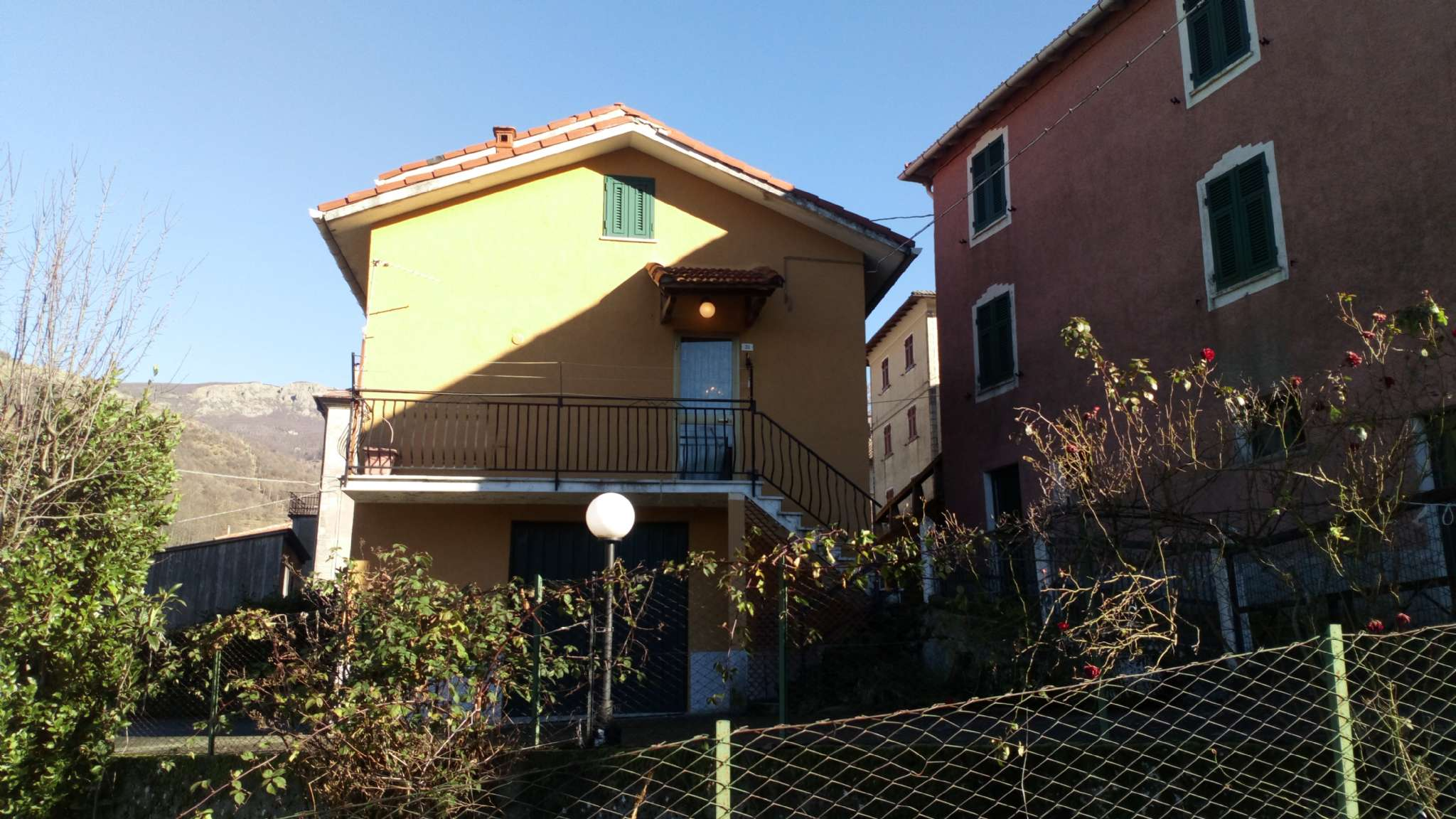Appartamento in vendita a Santo Stefano d'Aveto, 5 locali, prezzo € 75.000   PortaleAgenzieImmobiliari.it