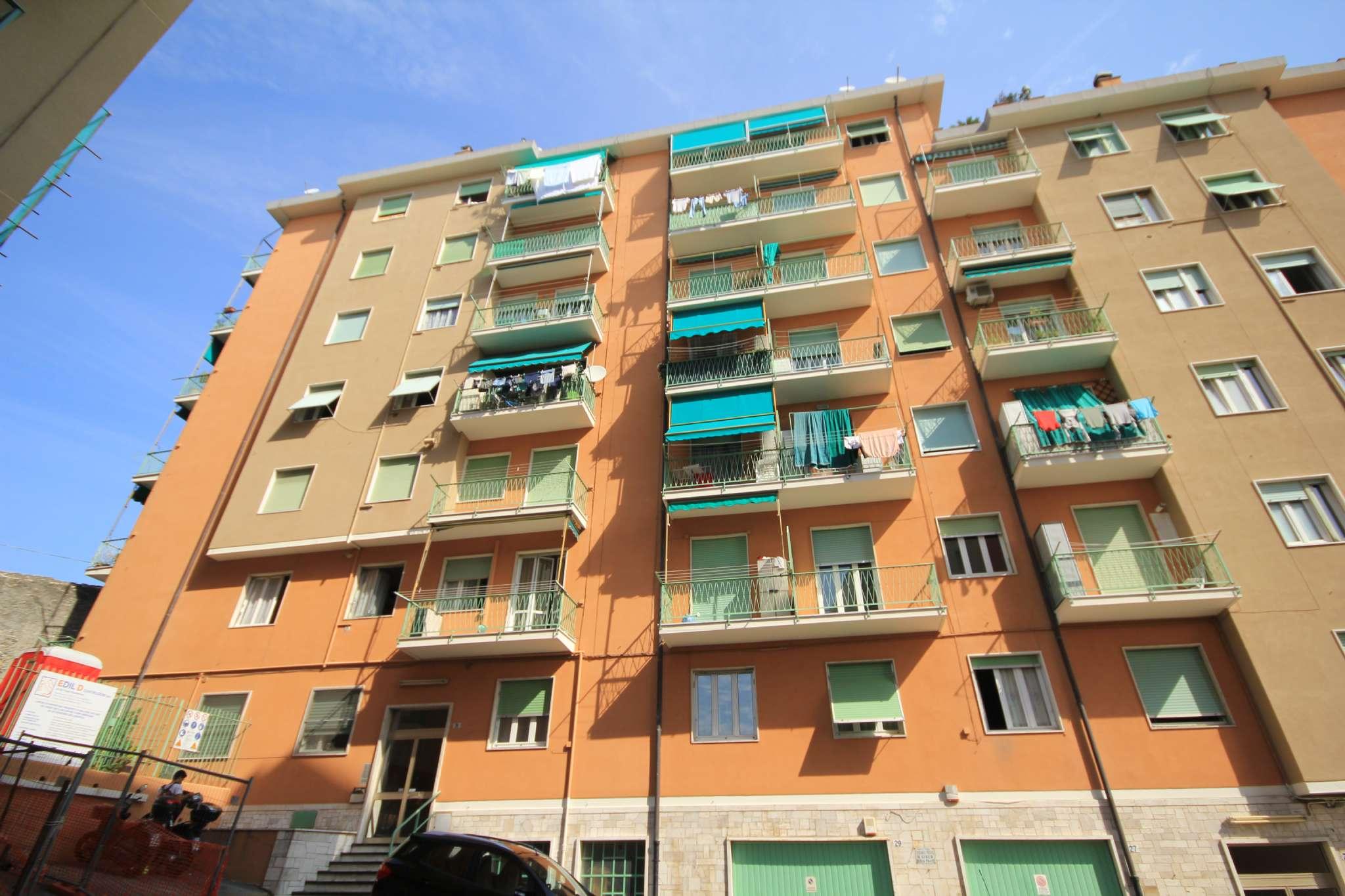 Foto 1 di Trilocale Genova