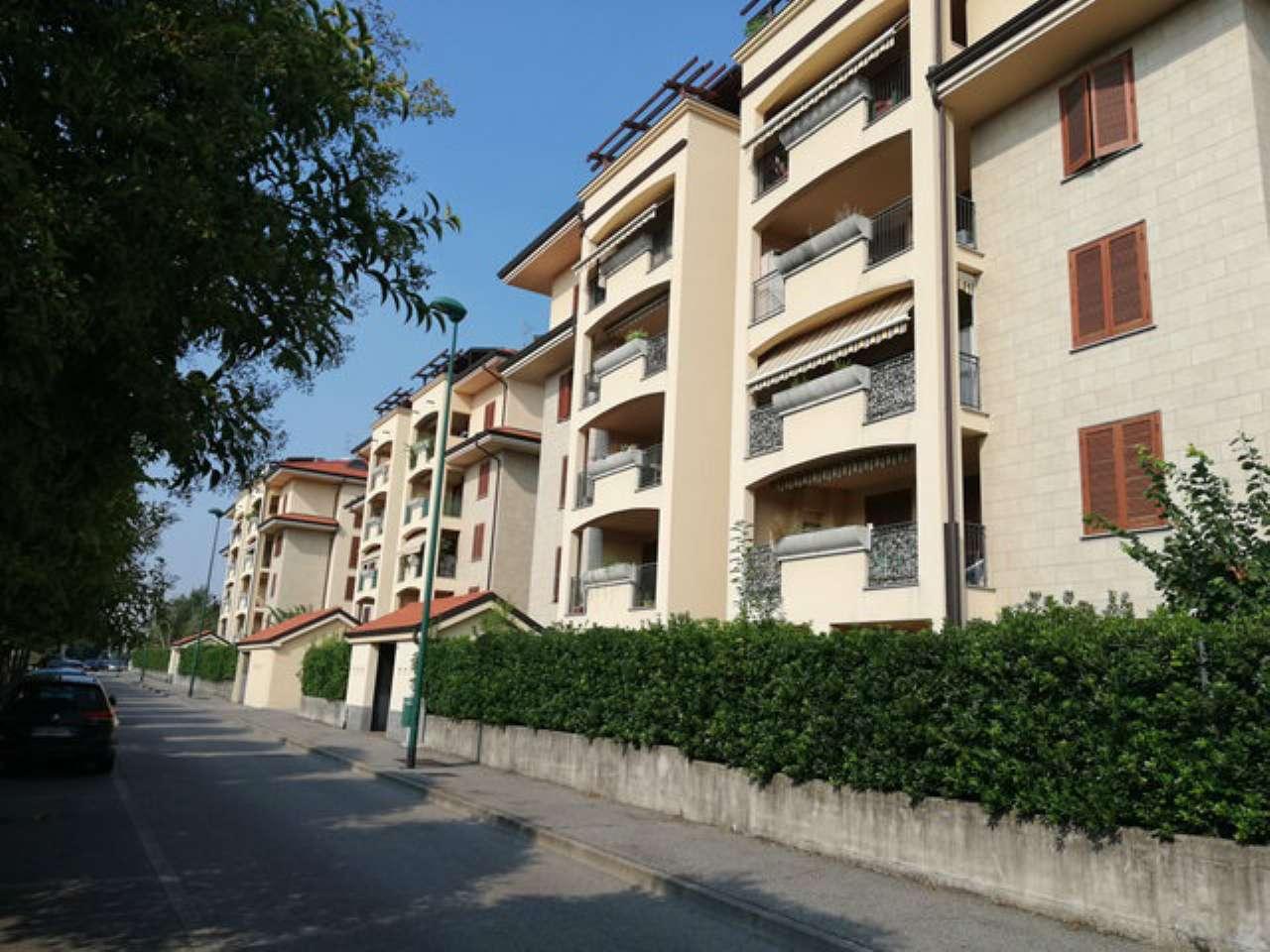 Appartamento in buone condizioni in vendita Rif. 7900537