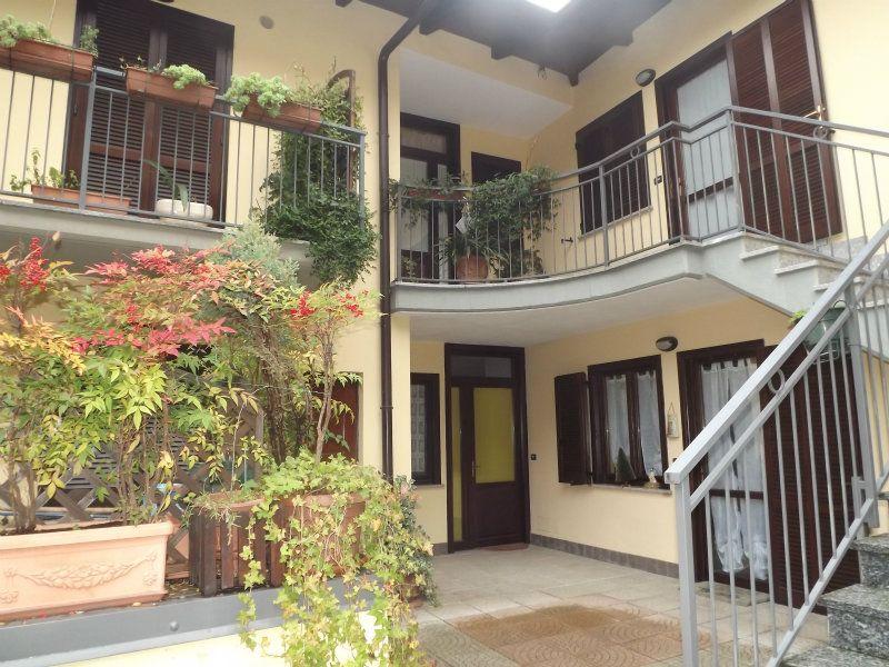 Appartamento in buone condizioni in affitto Rif. 6756461