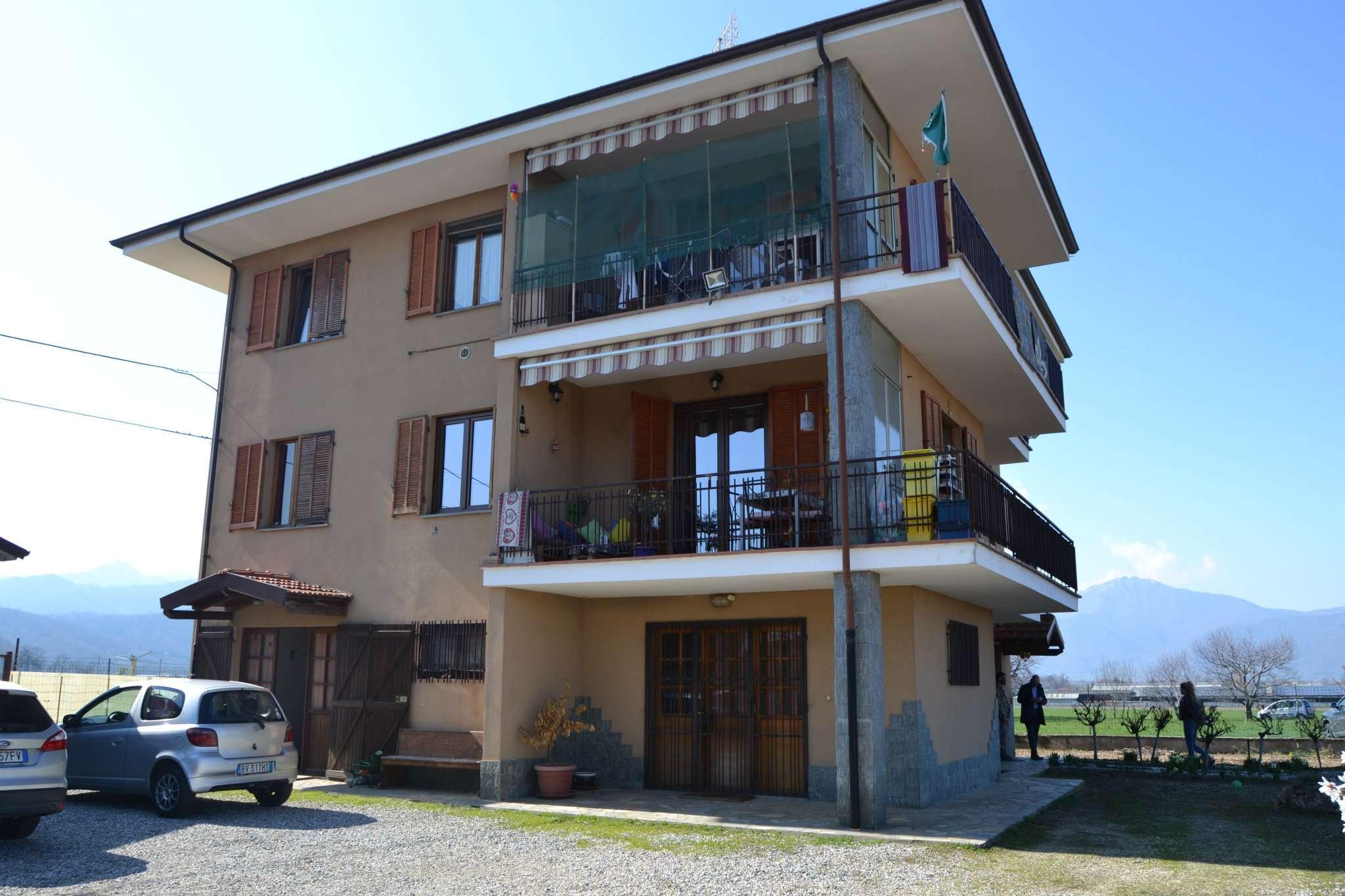 Appartamento in buone condizioni in vendita Rif. 6053979