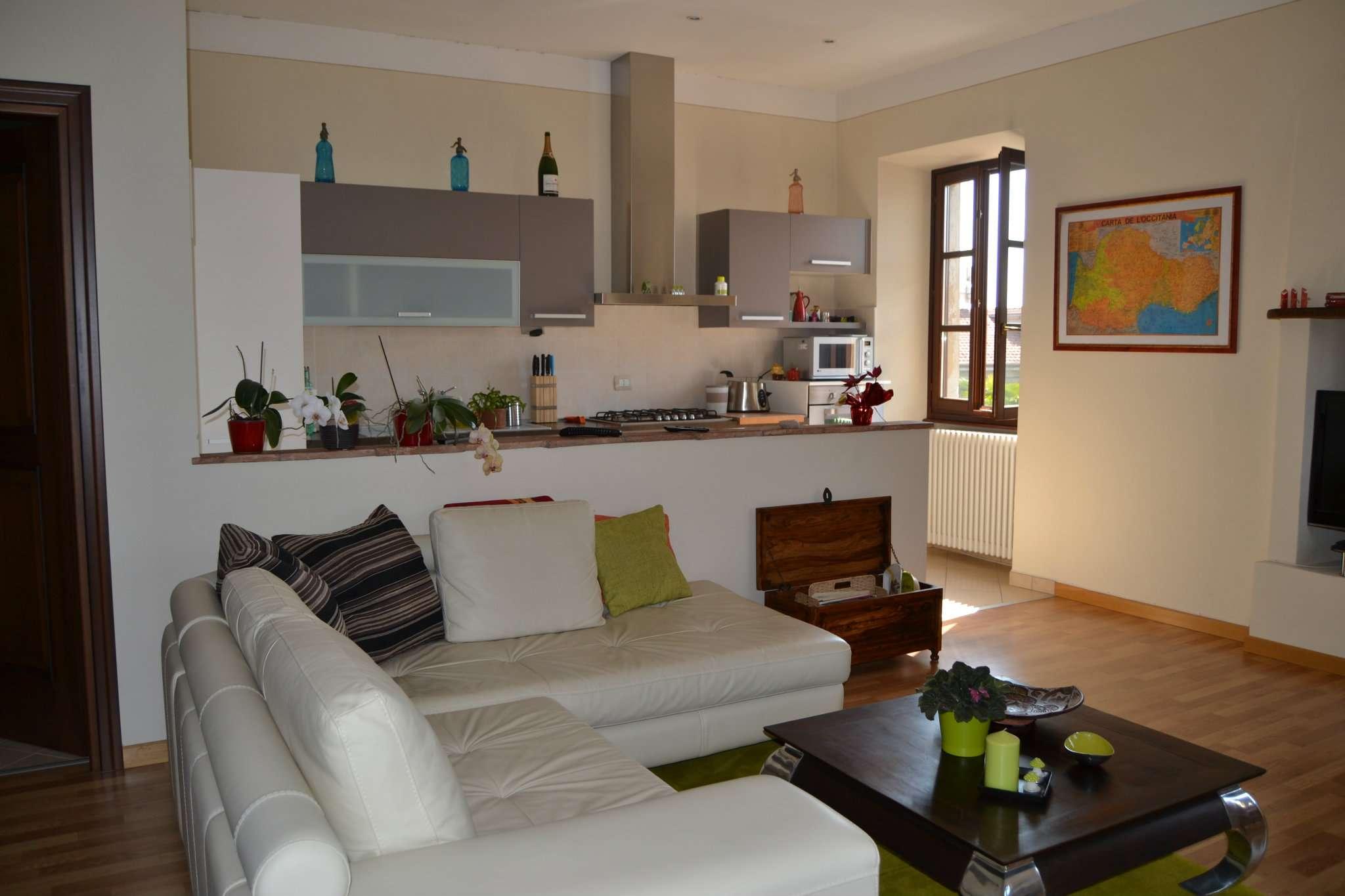 Appartamento in buone condizioni in affitto Rif. 7310307