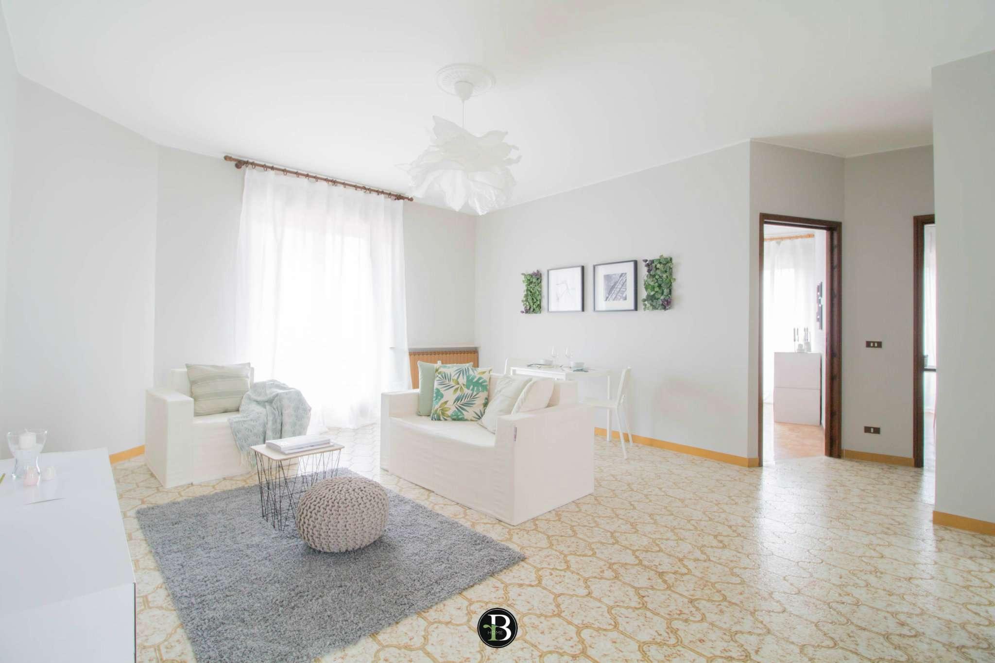 Appartamento in buone condizioni in vendita Rif. 6404733