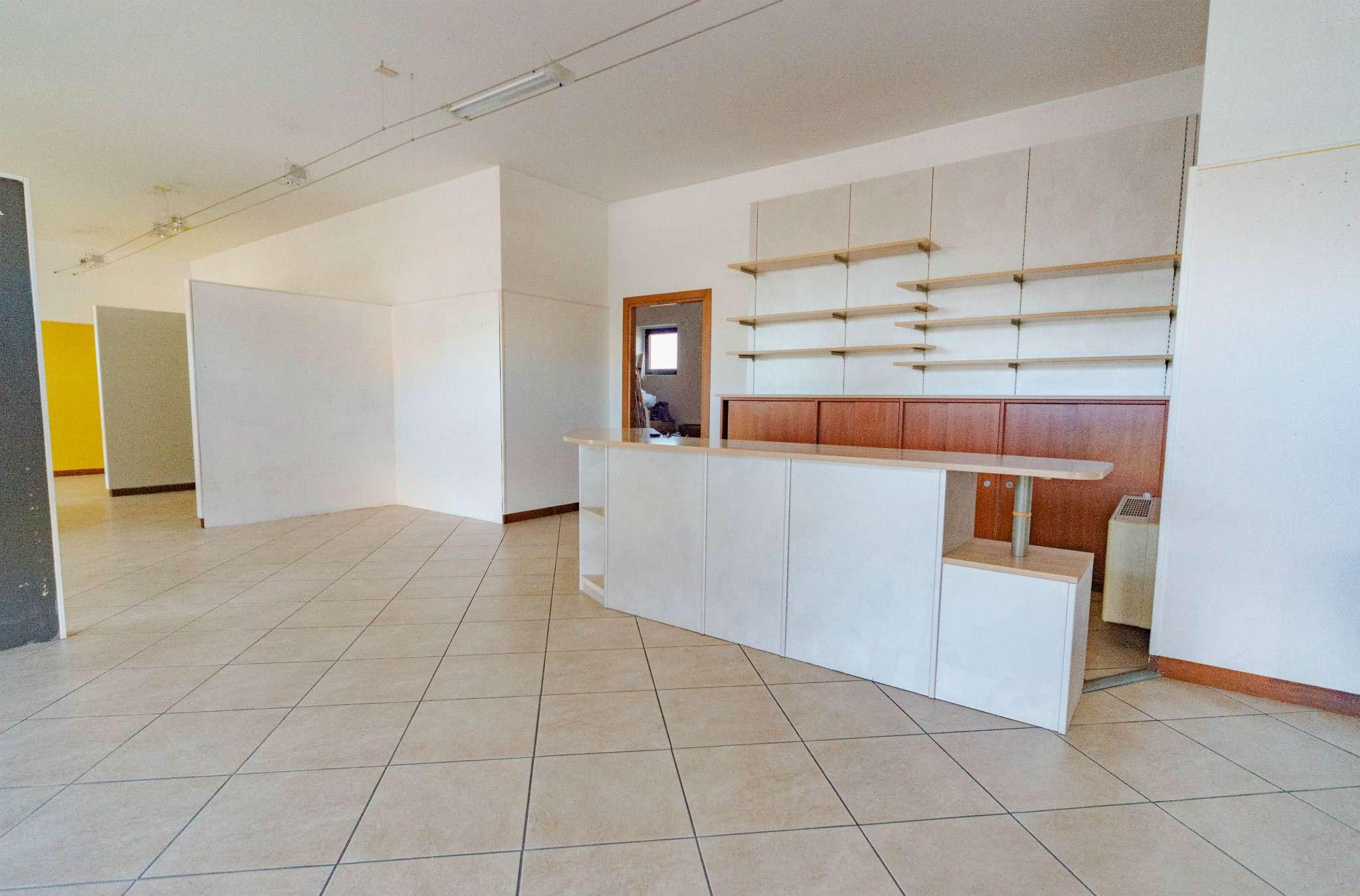 Negozio / Locale in affitto a Caraglio, 1 locali, prezzo € 800 | PortaleAgenzieImmobiliari.it