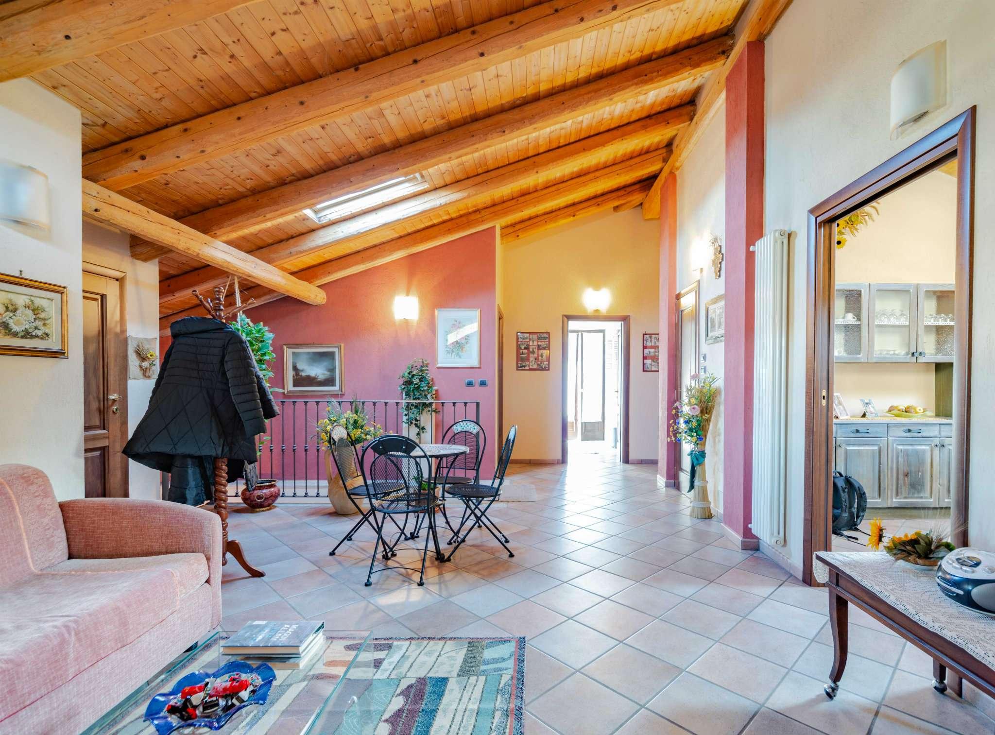 Villa Bifamiliare in vendita a Vignolo, 10 locali, prezzo € 275.000   PortaleAgenzieImmobiliari.it
