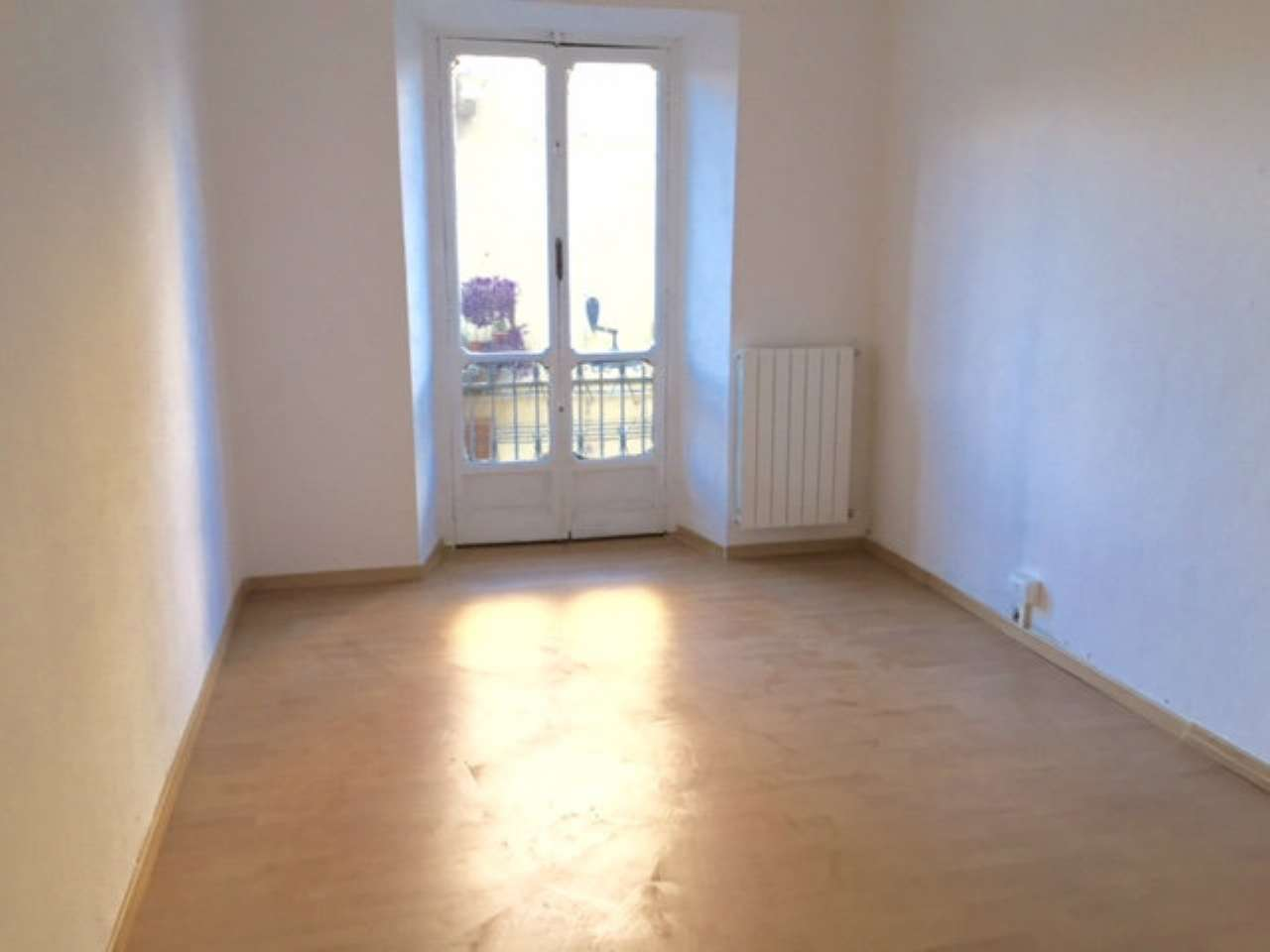 Appartamento in buone condizioni in affitto Rif. 7363169