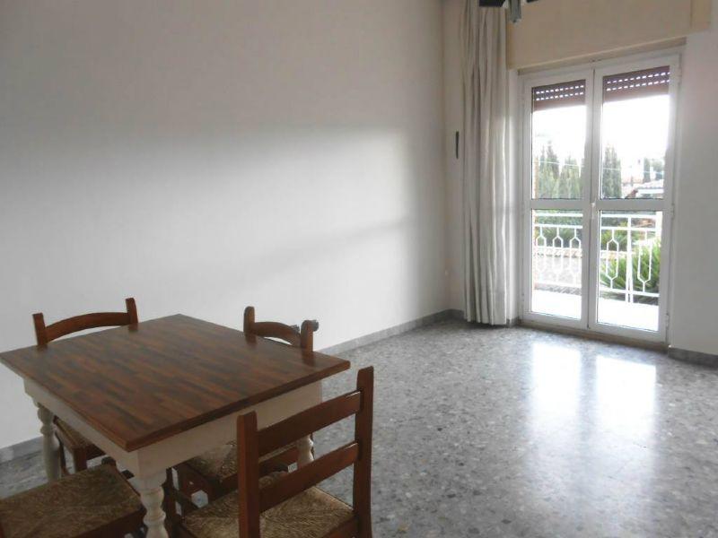 Appartamento ristrutturato parzialmente arredato in affitto Rif. 7931524