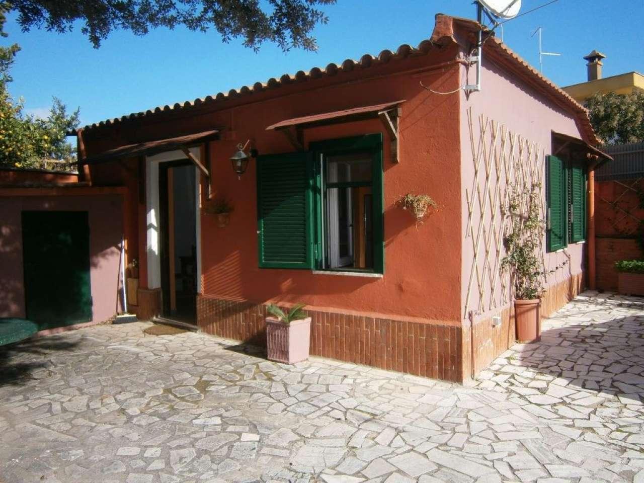 Appartamento in ottime condizioni arredato in affitto Rif. 8898216