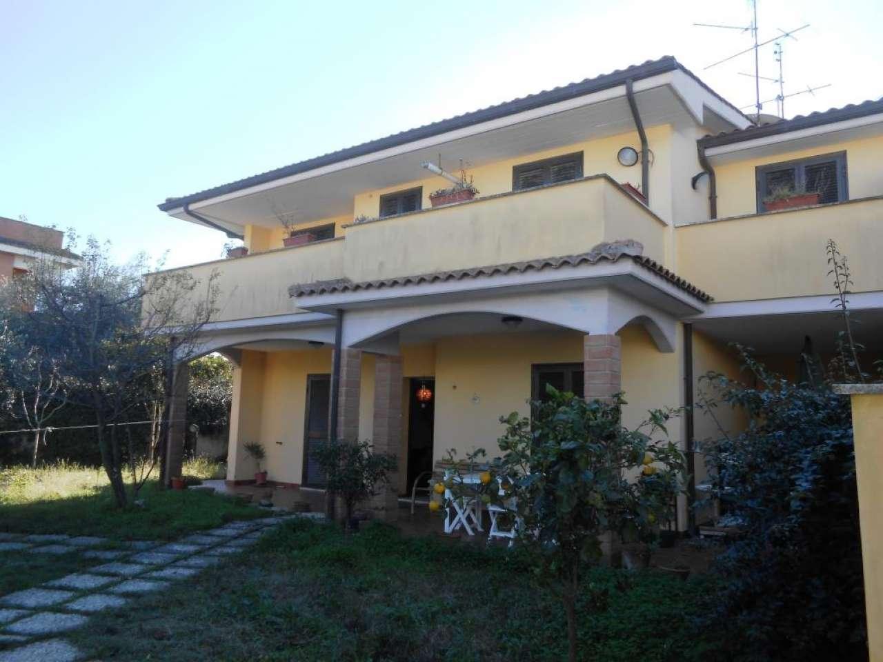 Villa Tri-Quadrifamiliare in vendita a Anzio, 4 locali, prezzo € 160.000 | CambioCasa.it