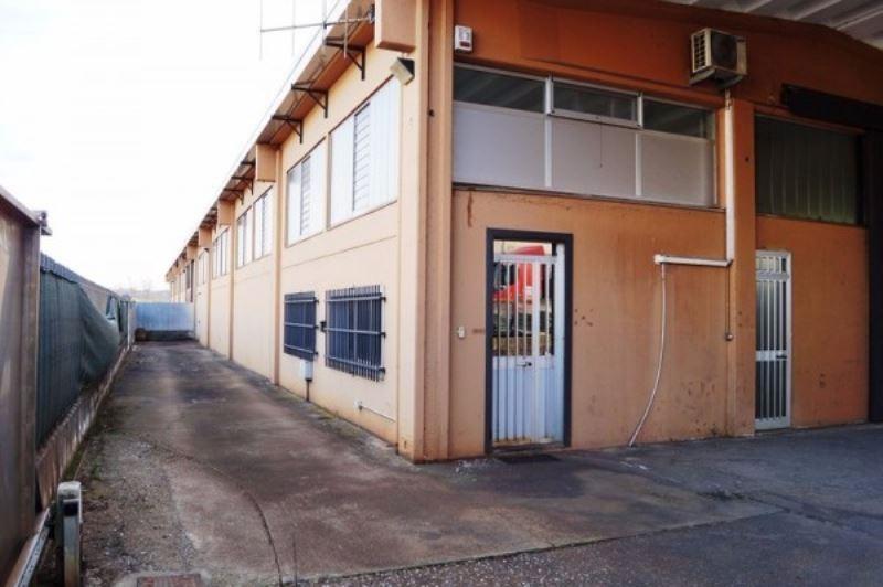 Capannone in vendita a Sesto Calende, 2 locali, prezzo € 650.000 | CambioCasa.it