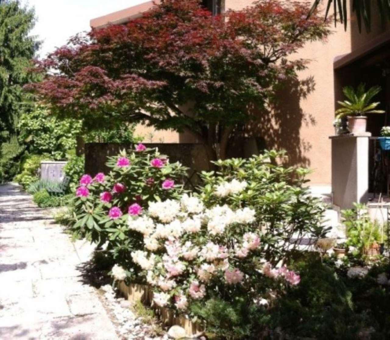 Villa a Schiera in vendita a Gavirate, 4 locali, prezzo € 265.000 | CambioCasa.it