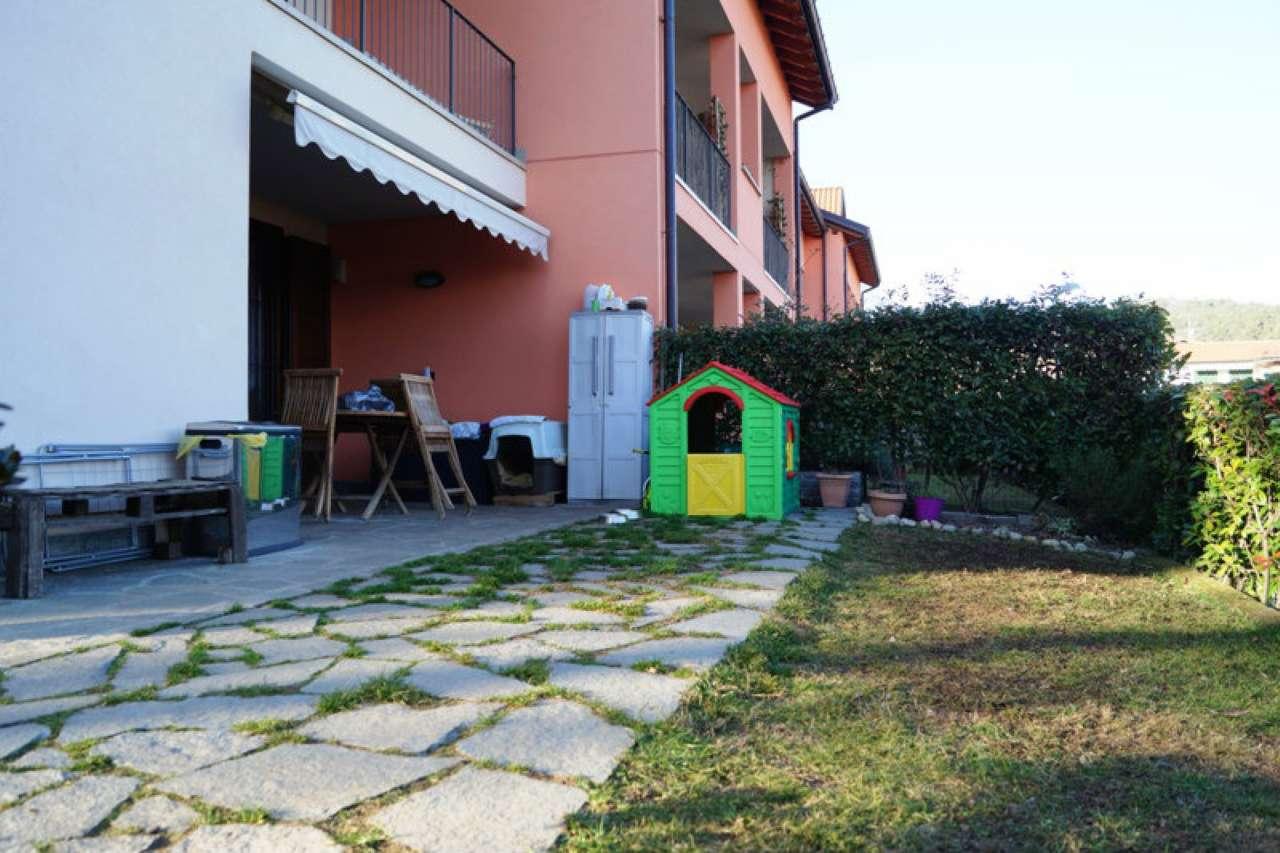 Appartamento in vendita a Mercallo, 3 locali, prezzo € 165.000 | CambioCasa.it