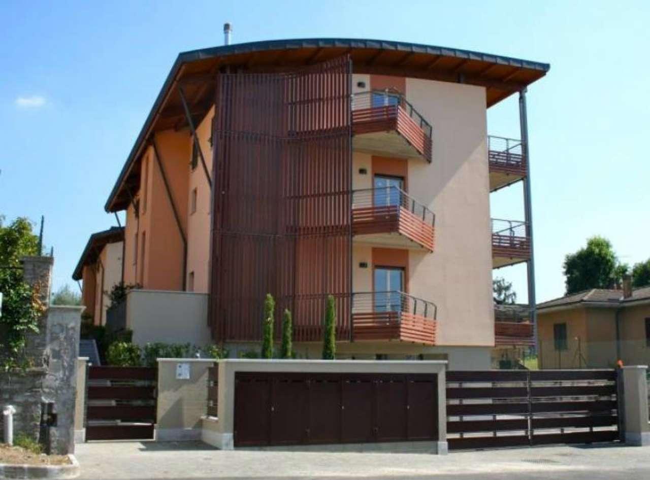 Appartamento in affitto a Gavirate, 2 locali, prezzo € 575   CambioCasa.it
