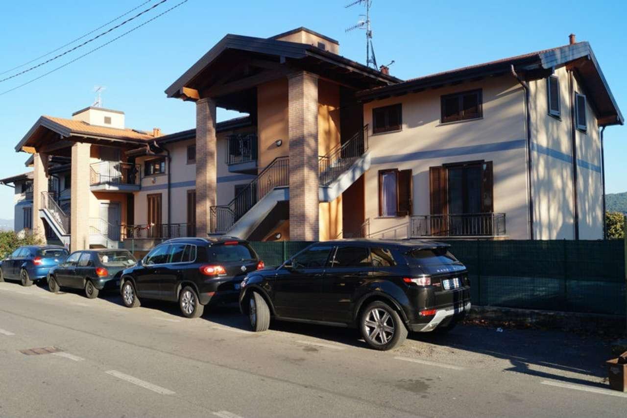 Appartamento in vendita a Mercallo, 3 locali, prezzo € 195.000 | CambioCasa.it